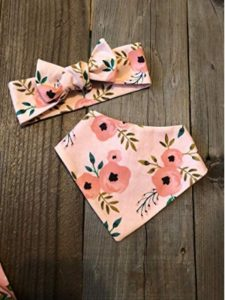 The Kinder Sew Co. sew  bandana bibs